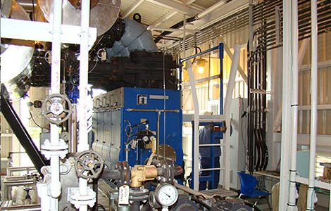 Spilling steam compressor for waste steam recovery in petrochemical industry